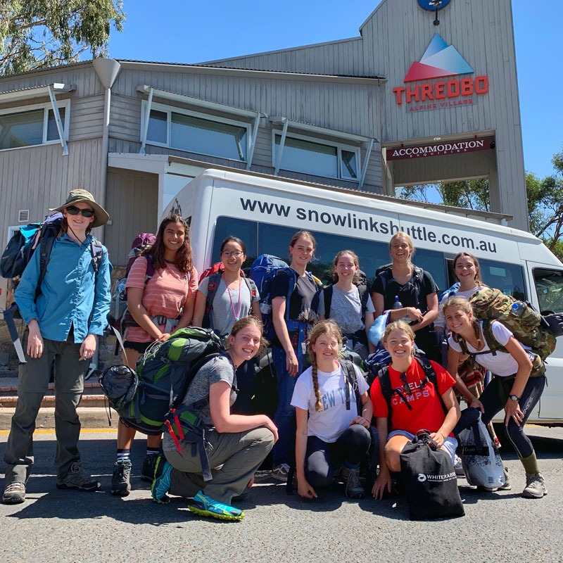 Jindabyne to Thredbo Shuttle Bus day tour group